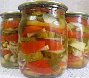 Salat-iz-ogurtsov-na-zimu