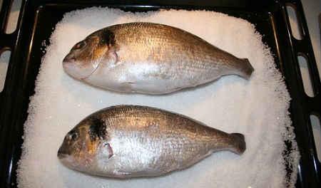 ryba-zapechennaya-v-soli