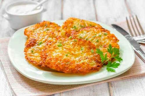 kartofelnye-draniki-klassicheskij-retsept-s-syrom