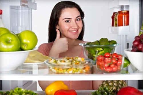 ка.к избавиться от запаха в холощдильнике народными средствами