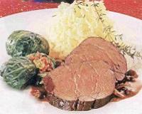 Говядина запеченная в духовке — рецепты в фольге большим куском, с грибами, черносливом
