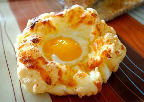 яичница глазунья с сыром