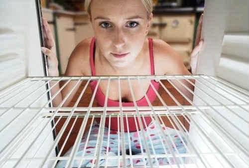 удаляем запах в холодильнике