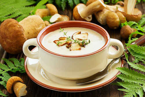 Суп с белыми грибами и сыром