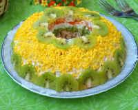 Салат с киви - рецепты с курицей, сыром, корейской морковкой, яйцом, яблоком