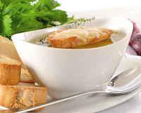 Луковый суп - французский классический рецепт на говяжьем и курином бульоне, с сыром, история
