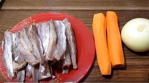 путассу с луком и морковью
