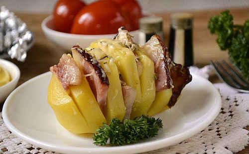 картошка гармошка с салом